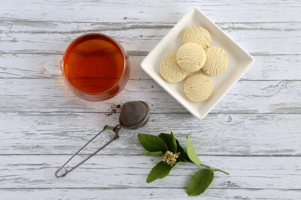 紅茶葉を使用